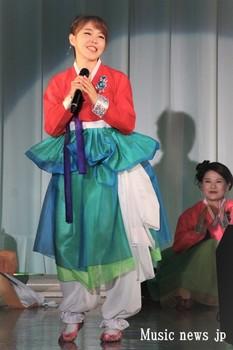 ファン・カヒ チマチョゴリ.JPG