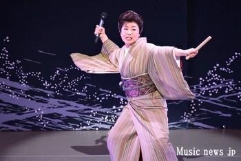 中村美律子 6.jpg