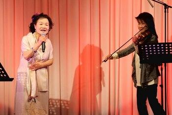 井上美代子4 バイオリン.jpg