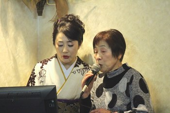 入山アキ子・手まりさくら013.jpg