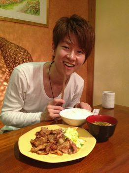 名古屋で食事.jpg