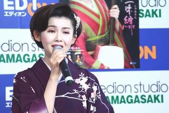 小桜舞子7.jpg