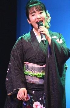 朝花美穂 2.jpg