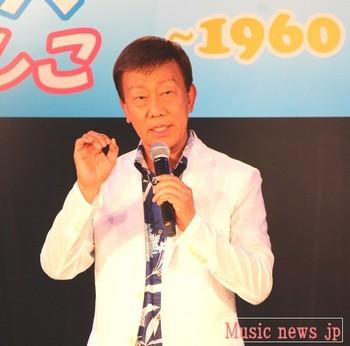 橋幸夫・新曲発表会で.jpg