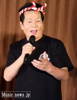 渡辺要・鮨職人時代を彷彿させるステージ.jpg
